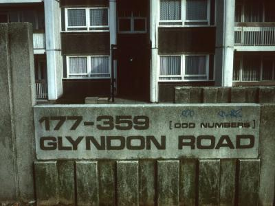 Street sign for Glyndon Road block