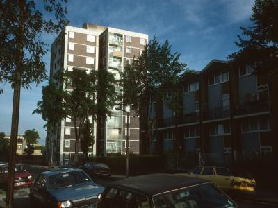 View of 79-122 Kingsgate Estate from Buckingham Road
