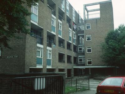 View of Broadoak Court from Wiltshire Road