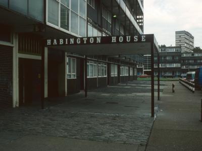 Entrance to Habington House