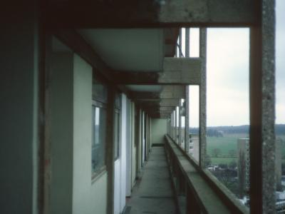 View along deck of Dunbridge House